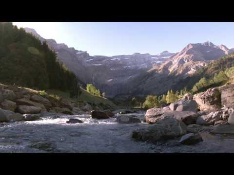 Les Eaux Essentielles, Santé Et Bien-être En Midi-Pyrénées - Spot TV 2014 -