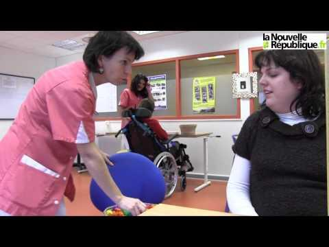VIDEO : Hémiplégique, Amandine Réapprend Les Gestes Simples